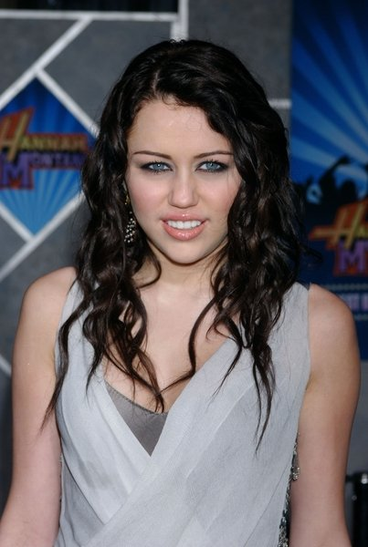 miley cyrus hair color in hannah. Miley Cyrus has naturally