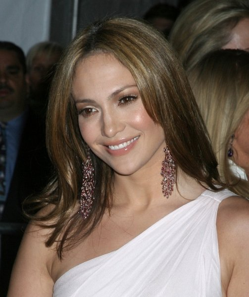 Jennifer Lopez Sedu Hairstyles Do you want a silky smooth hair like Jennifer
