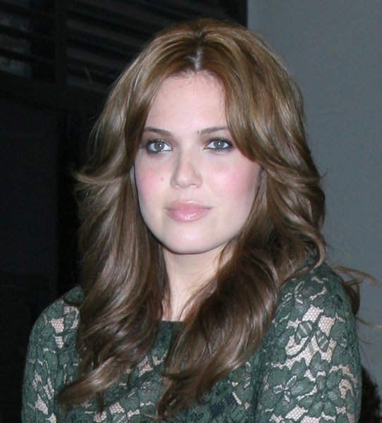 Mandy Moore with 70's Feathered Hairstyle