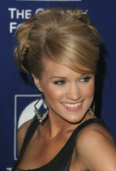 carrie underwood hairstyles. Carrie Underwood hairstyle