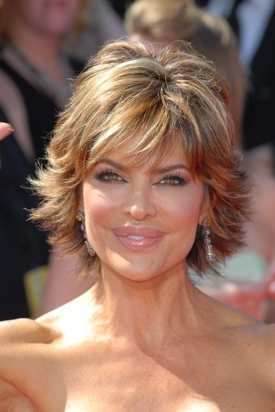 Lisa Rinna Short Layered Hairstyles